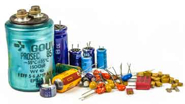 Selection of leaded & SMD types of capacitor.