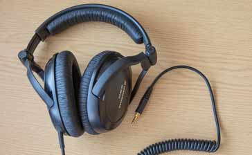 Set of headphones with good cushioning and sound insulation